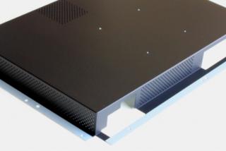 パソコン筐体(エポキシ+アクリル焼付塗装、四隅はマスキング)